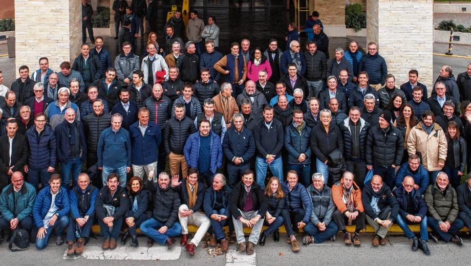 Macri defiende su política petrolera ante 100 empresarios