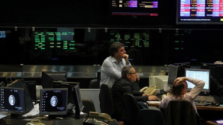 La Bolsa Argentina cede tras la decisión de YPF