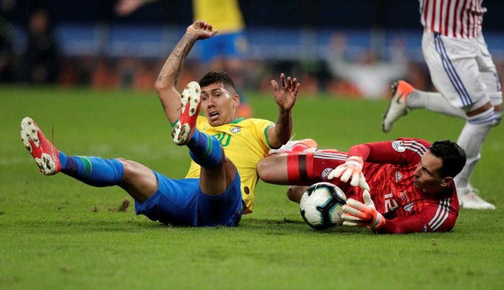 Brasil derrotó a Paraguay por penales está en semis