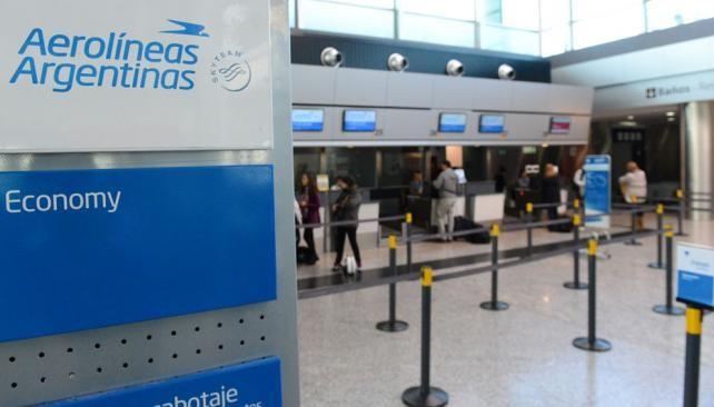 Aerolíneas Argentinas informó a sus empleados el plan de suspensiones
