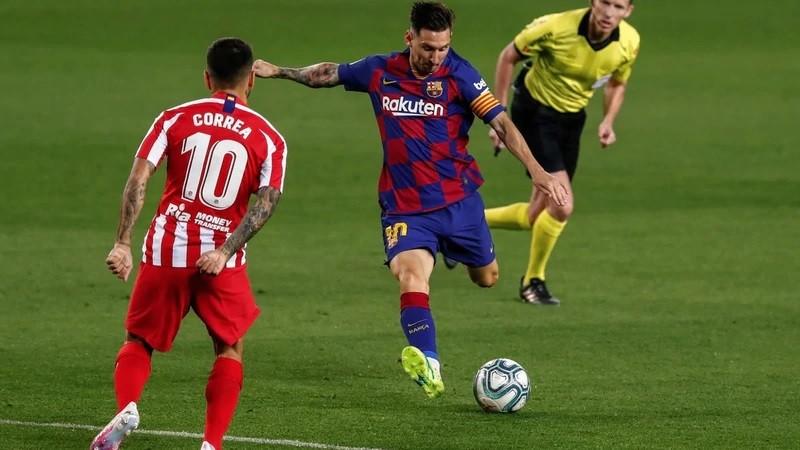 Leo Messi llegó al gol 700 y da el triunfo parcial al Barcelona