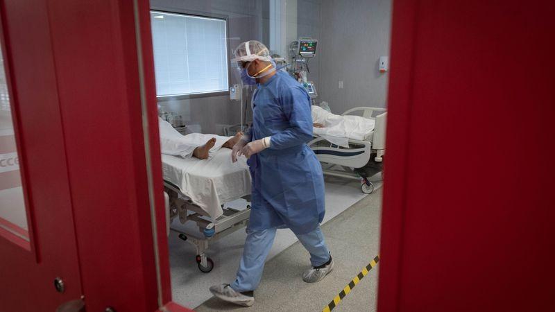 Argentina confirman 669 muertes y 27.628 nuevos contagios