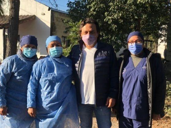 El gobernador Sáenz supervisó el operativo de vacunación