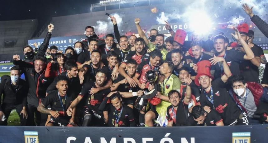 Colón goleó a Racing en San Juan y gritó campeón