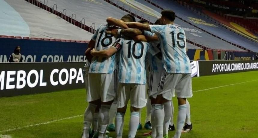 Argentina le gana Paraguay y sueña con meterse en cuartos EN VIVO