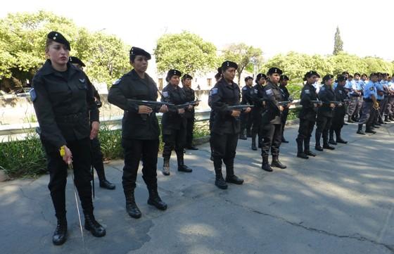Se realiza en Salta un curso interprovincial de custodia y traslado para personal femenino