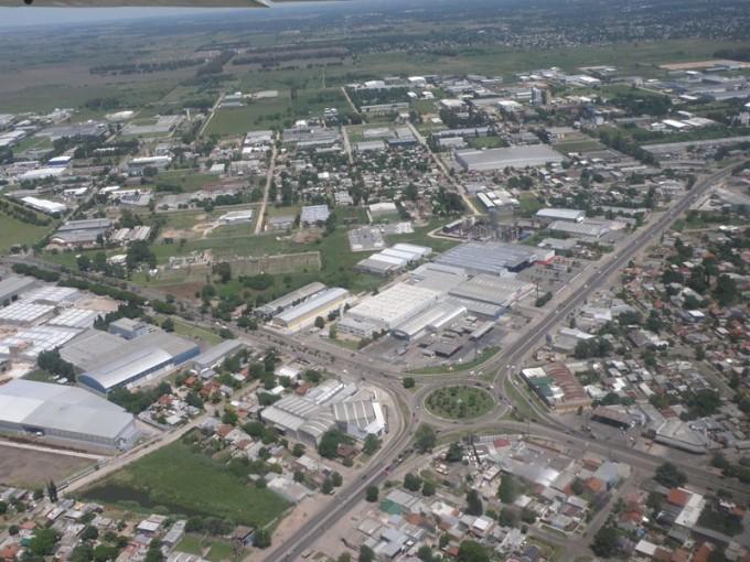El Gobierno destina 6 millones de pesos a parques industriales de Córdoba y Tierra del Fuego