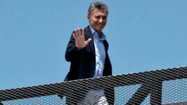 Macri viajó a participar de la Cumbre del G20 y reunirse con Macron y May