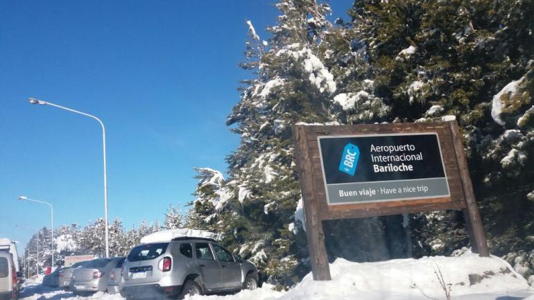 Bariloche :El aeropuerto colapsado tras la nevada