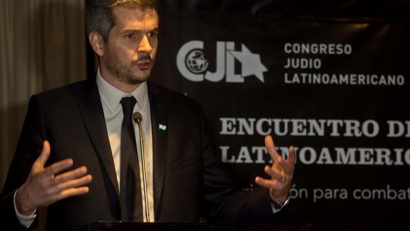 Marcos Peña calificó el atentado a la AMIA como un acto de odio contra la humanidad