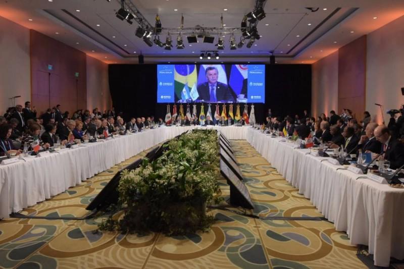 El Presidente hizo un llamado a la paz  en Venezuela y pidió a Maduro establecer un calendario electoral