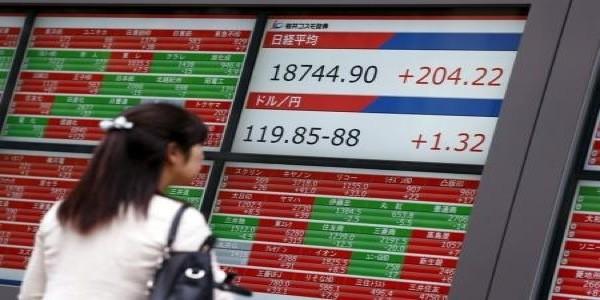 Bolsas de Asia suben, euro mantiene ganancias