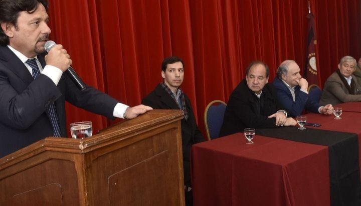 Gustavo Sáenz presentó su informe del avance de obras