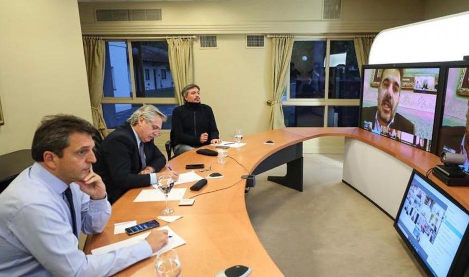 Fernández en videoconferencia dialoga con jefes de bloques