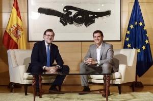 Rajoy entabla diálogo sobre gobernabilidad con Rivera