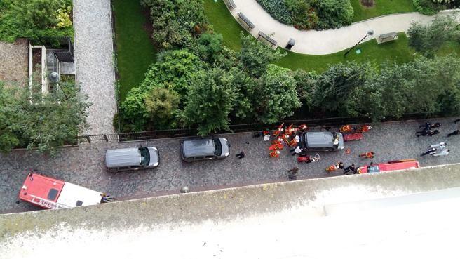 Un coche atropella a soldados en un suburbio de París y causa seis heridos