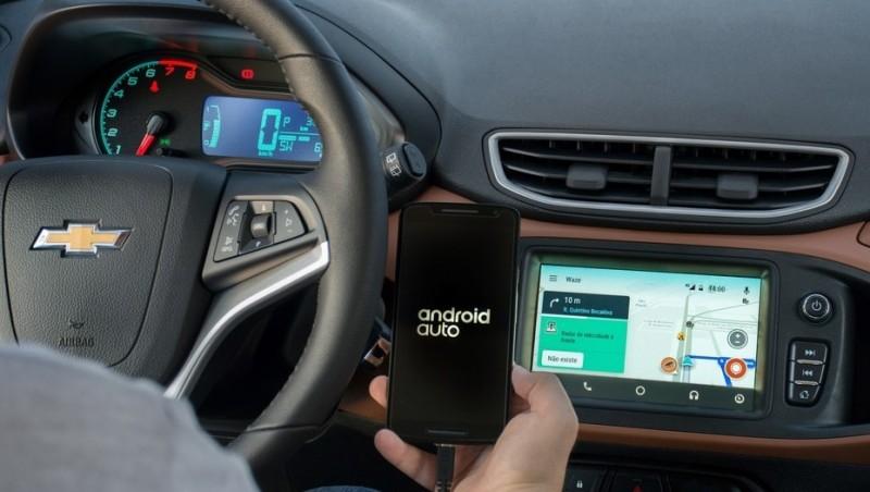 El futuro llegó Canciones y mapas, del celular a la pantalla del auto