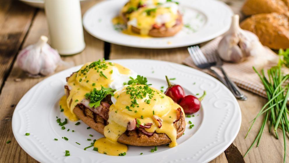 Huevos Benedict completan el  brunch