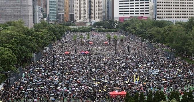 Gigantesca movilización en Hong Kong