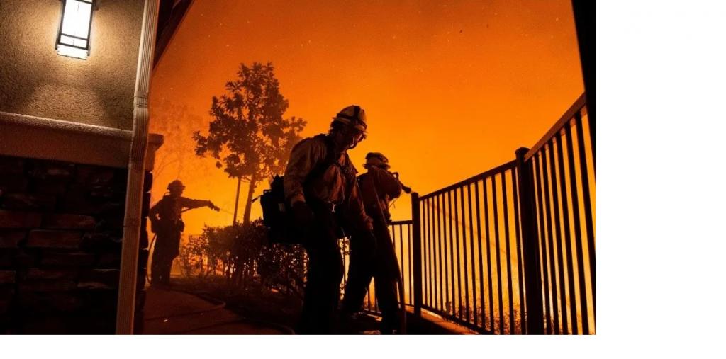 Incendio forestal fuera de control en Los Angeles