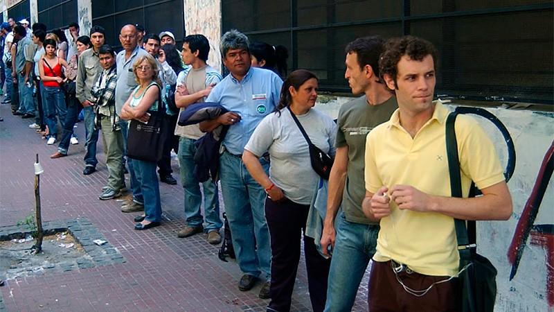En el sistema laboral registrado hay 409.000 trabajadores menos