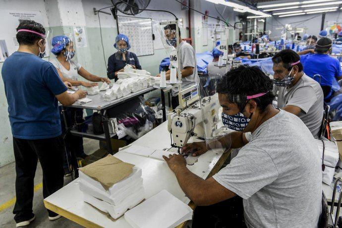 La totalidad de trabajadores continúan con los salarios de 2019