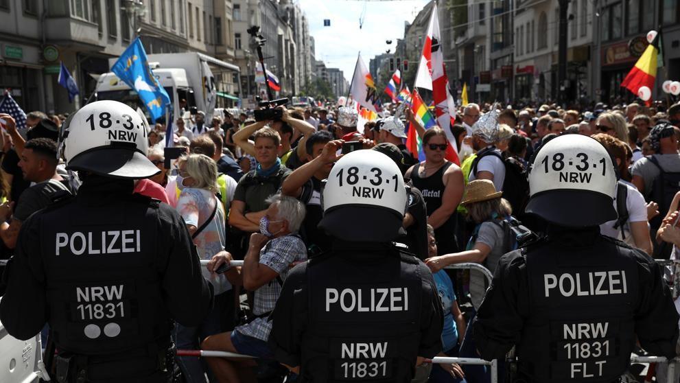 Marcha 18.000 personas en Berlín en protestan contra las medidas anti-Covid