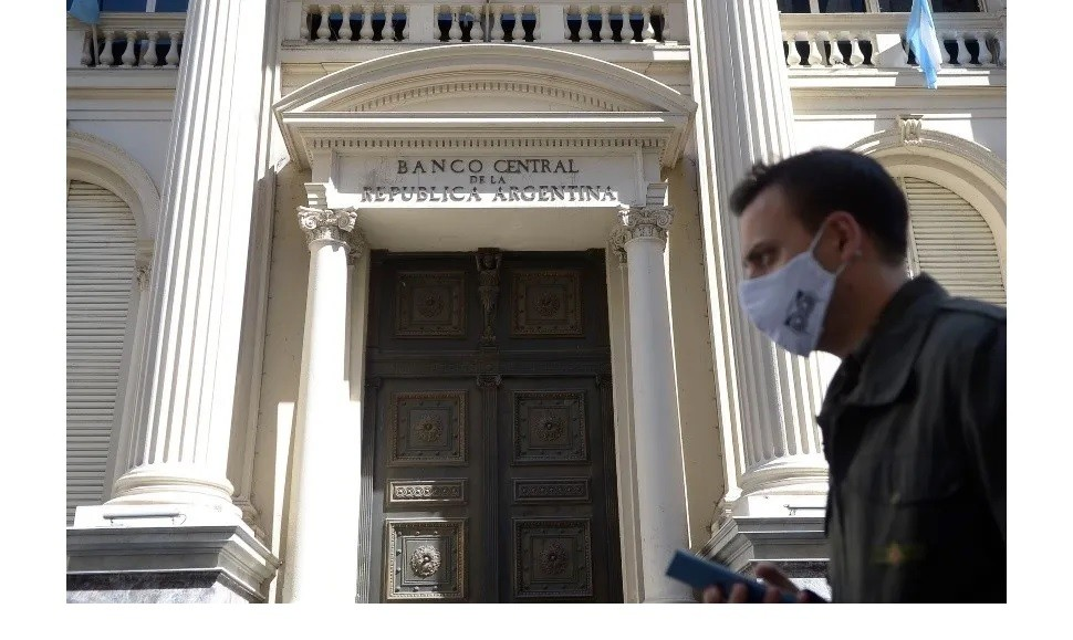 El Banco Central concretó una operación de futuros de una Lede