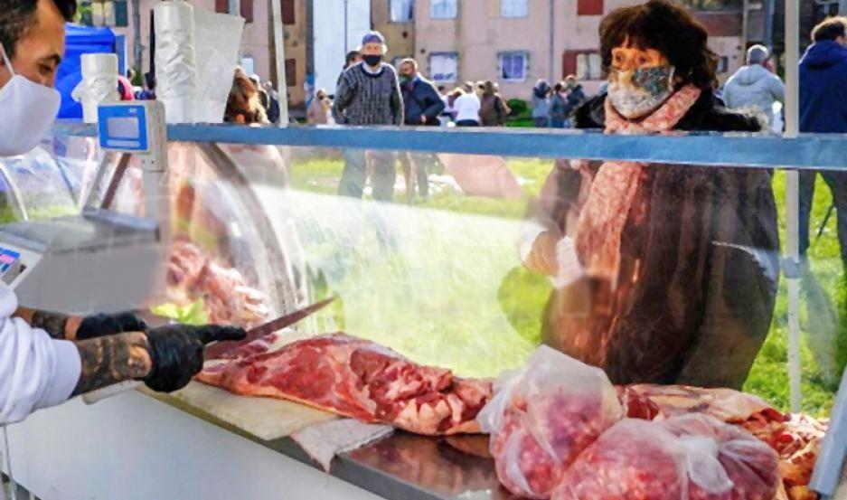 Una familia gasta más de $13.000 solo en carnes y verduras