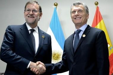 Rajoy felicitó a Macri por las decisiones económicas que marcan el camino correcto