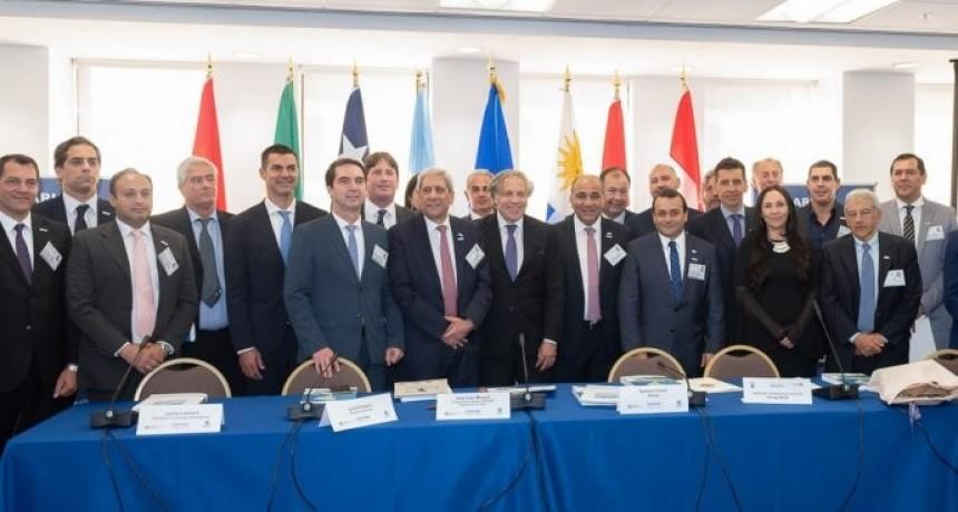 Gobernadores firma acuerdo entre Zicosur y OEA