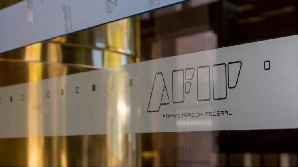 La caída real de la recaudación del AFIP se desaceleró al 5%