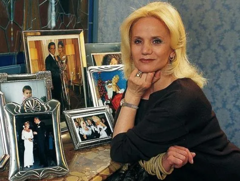 Murio Elsa Serrano, la diseñadora