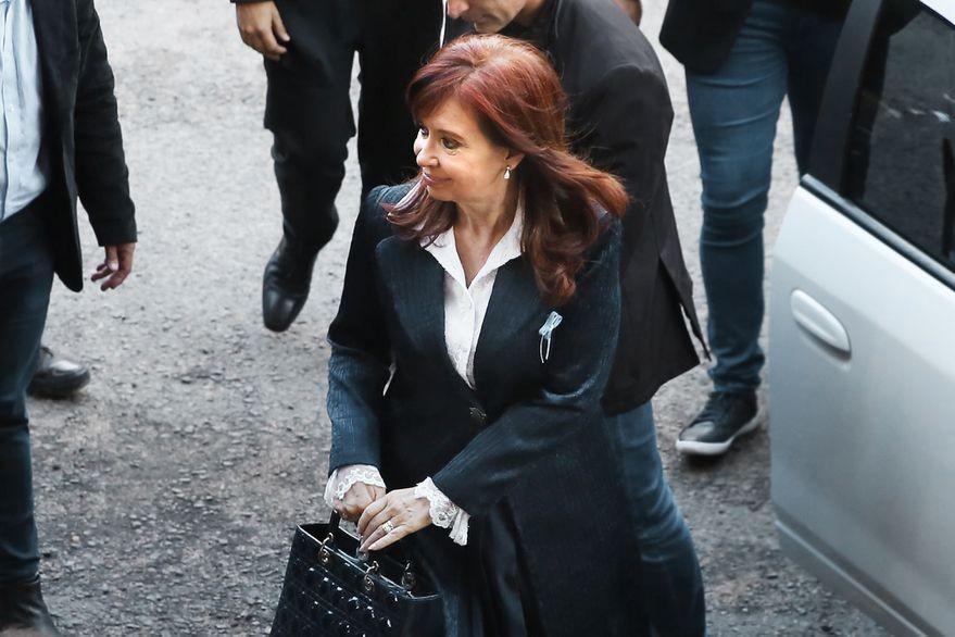 Con una carta pública, Cristina Kirchner incrementó la presión contra el presidente