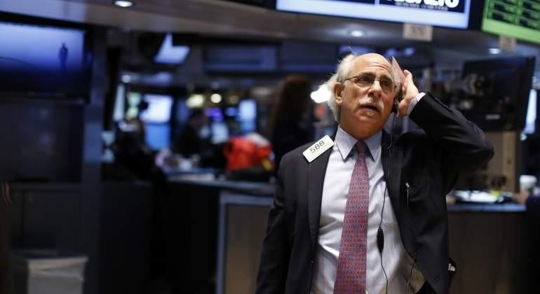 Wall Street cerro menos 2,2% y la Bolsa Argentina en caìda