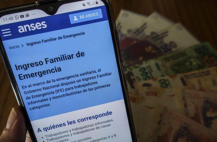 El Gobierno planea pagar un IFE de $15.000 en octubre