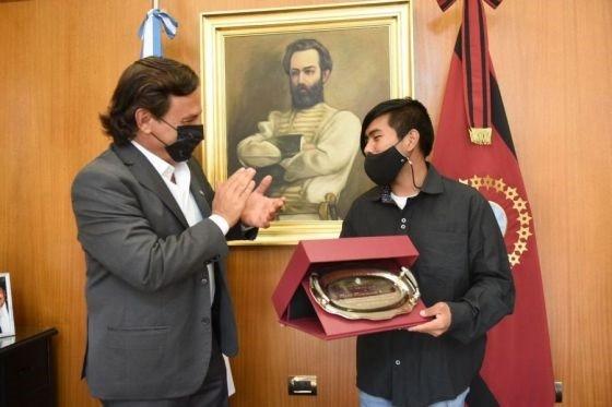 El Gobernador recibiò al estudiante wichi