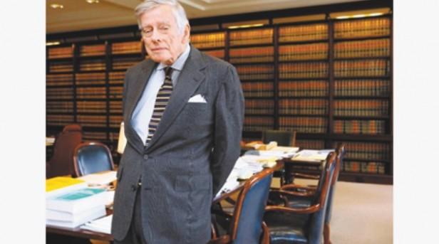 Para levantar el desacato, Griesa exige a la Argentina reponer al BoNY como agente de pago y pagar a acreedores