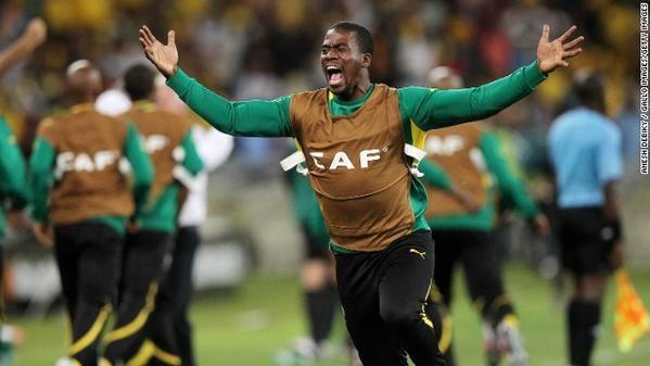 Asesinan a Senzo Meyiwa, capitán de la selección de fútbol de Sudáfrica