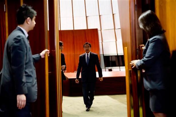 Expulsado magnate de Hong Kong por fuertes críticas a Leung Chun-ying