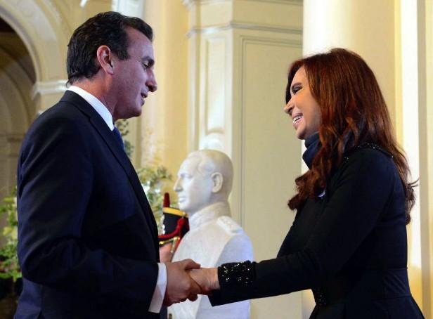 Pérez $ 2.300 millones del Gobierno Nacional para cubrir sueldos en Mendoza