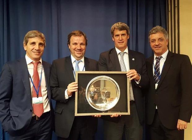 Alfonso Prat-Gay fue elegido Ministro de Finanzas del Año por una revista británica