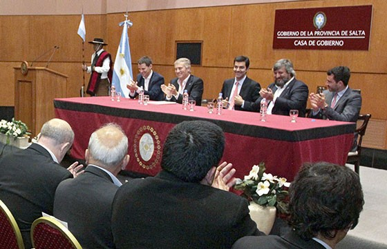 Urtubey  firmo un convenio para el desarrollo de infraestructura de comunicaciones móviles