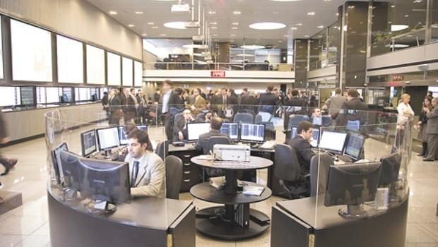 Buscan que bancos financien a baja tasa el pago del bono