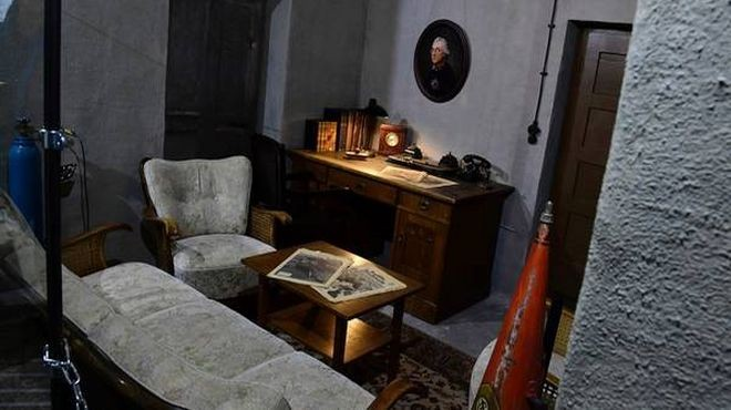 Recrea el despacho de Hitler en el museo de Berlín