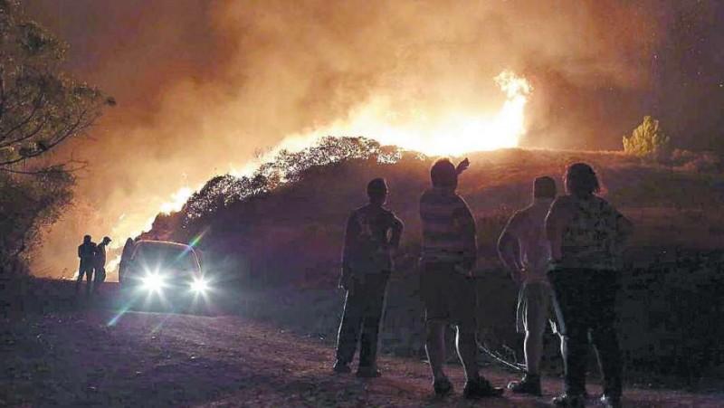 El fuego devasta Galicia y Portugal: 39 muertos