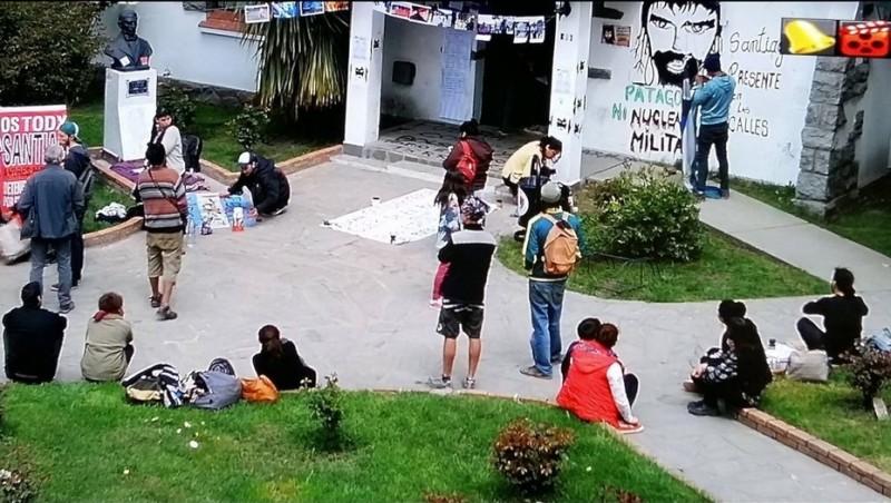 Activistas mapuches tomaron la intendencia de El Bolsón