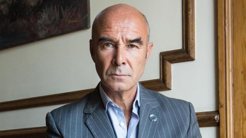 Renunció Juan José Gómez Centurión y asumirá Diego D'Ávila