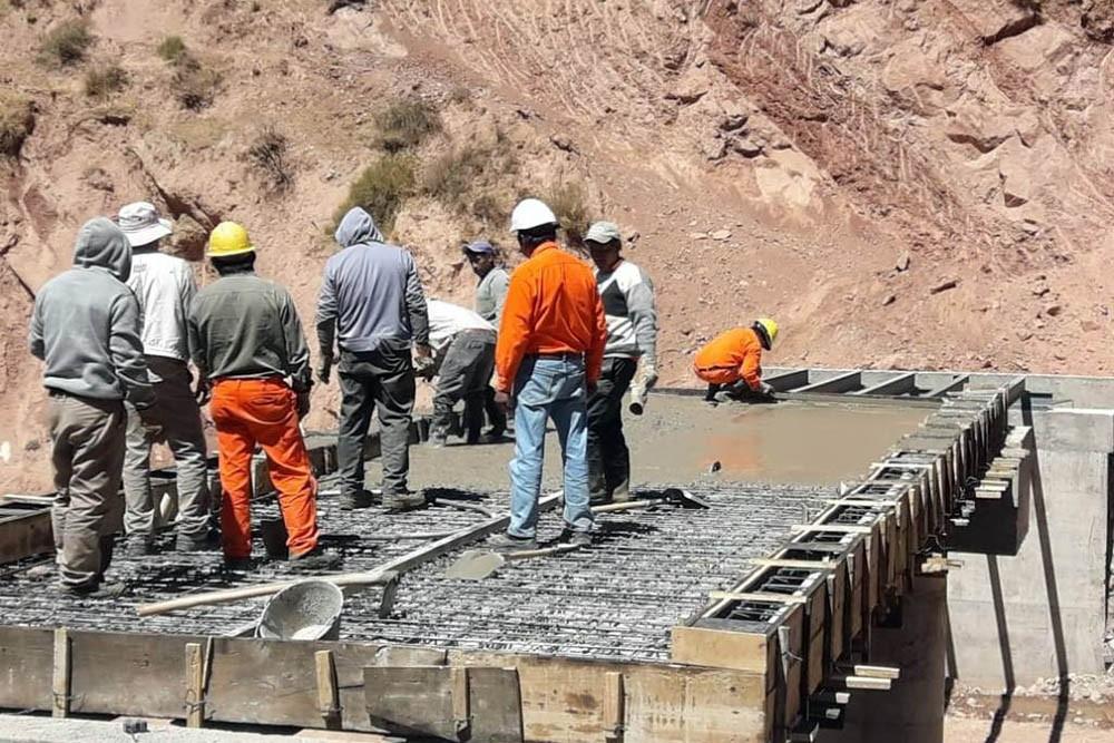 Nazareno:La construcción del puente tiene el 80% de avance