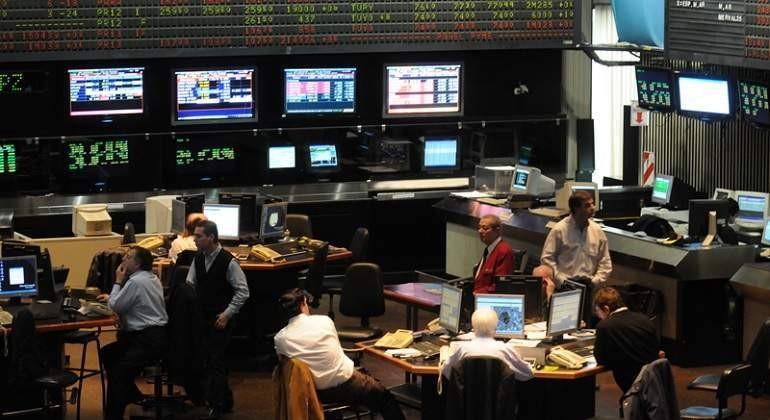 La Bolsa Argentina cotizo alentada por Wall Street